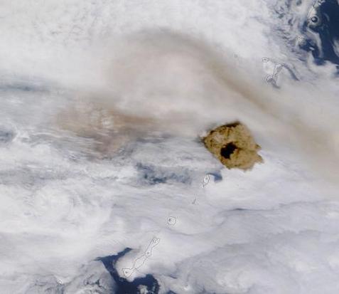 サリチェフ火山小爆発
