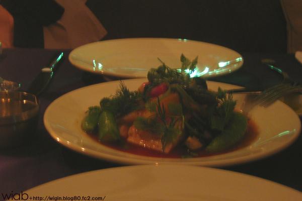 鮮魚とホタテ(北海道産)、のポアレ 南仏野菜のトマト煮と蛤の蒸し煮、温野菜添え