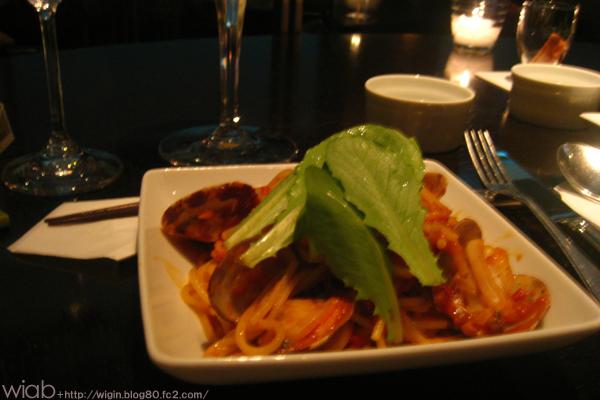 パスタはボンゴレトマトソースベース☆ 美味しかった!!