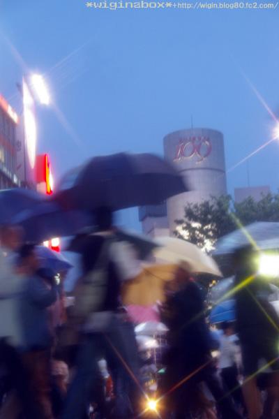 傘こわれちゃった!!