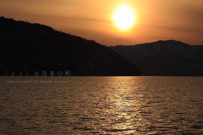 十和田湖夕日1