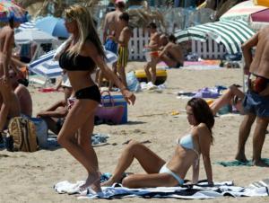 ジョーダンさんビーチでトップレス