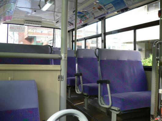 ガラガラの市バス