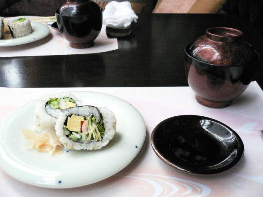 銀座蔵人(巻寿司と赤出汁)