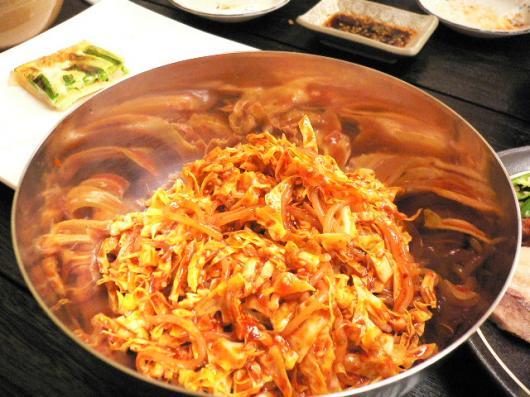 新沙洞(チョル麺)