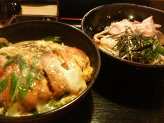 四国屋(カツ丼&おろしうどん)
