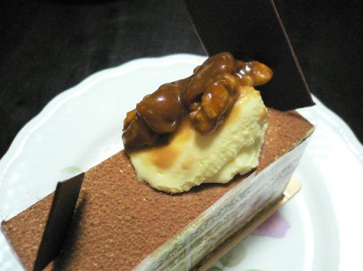 コヤマ(胡桃のケーキ)