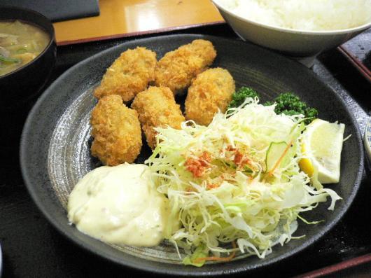 駅前(牡蠣フライ定食)