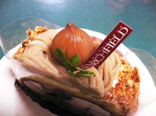 リッチフィールド(和栗のロール菓子)