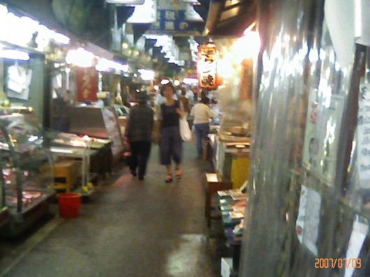 鶴橋商店街の通り