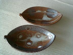シマセラミカ 落ち葉の小皿
