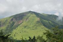 四阿山頂からの根子岳