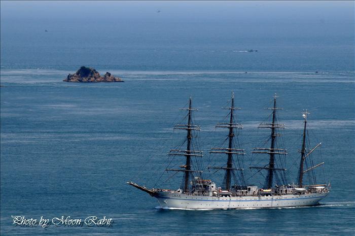 海王丸、今治寄港2 出港と来島海峡大橋 糸山公園来島海峡展望台より 2009年5月25日