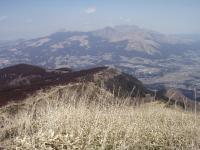 山頂近くからの阿蘇五岳