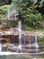 左岸支流の10m二段スダレ滝