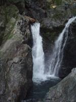 ゴルジュ内の5m滝