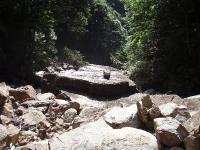 二俣下のテーブル岩