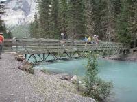 ロブソン川に架かる橋