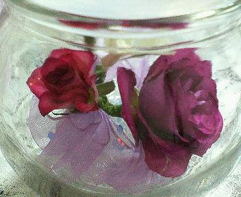 バラで飾り付けした作品