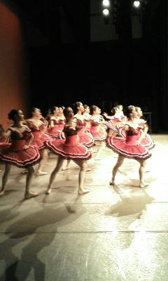 パキータ お姉さん達の踊り・・
