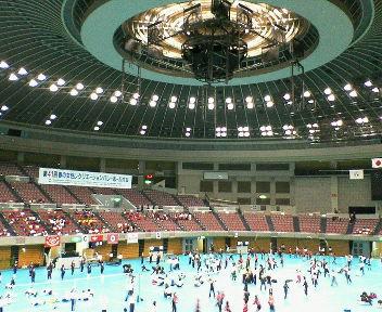 コンサートも開かれる一番大きな体育館 5面コート!