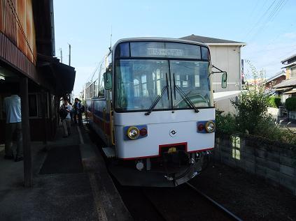 西御坊駅とキテツ1型