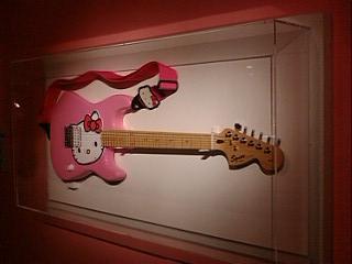 キティちゃんのエレキギター