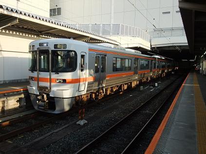 豊橋に到着した313系普通電車