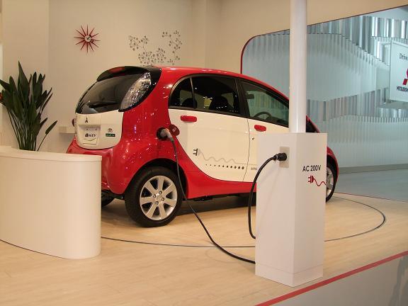 三菱電気自動車
