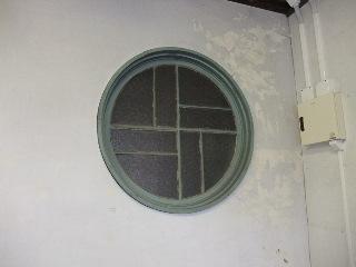 レトロモダンな窓