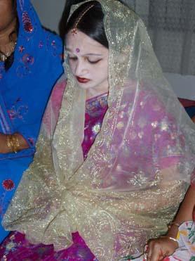 うつむく花嫁