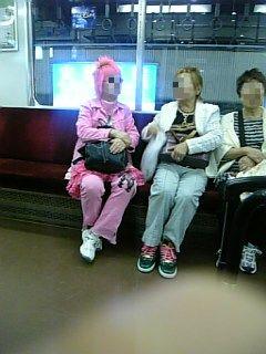 ピンクのおばさま