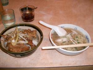 豚丼ラーメン