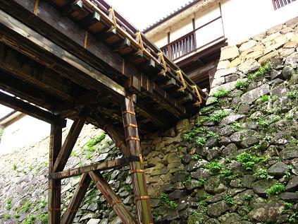 天秤櫓の落とし橋