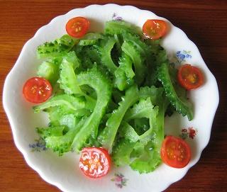 ニガウリのサラダ