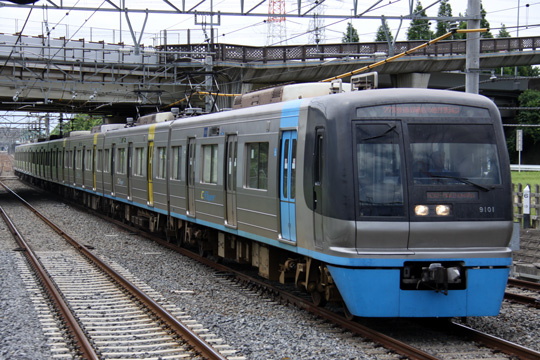 20090720_chiba_newtown_rail_9100-01.jpg
