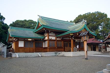 川原神社本殿
