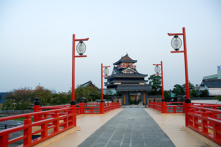 橋から見る清洲城