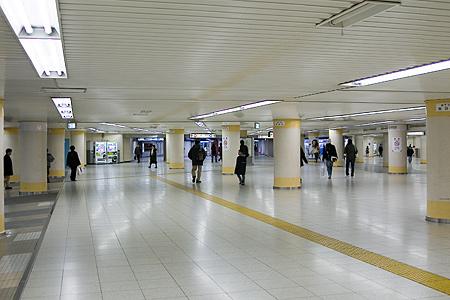 東京駅構内の日曜日