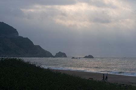 伊良湖の海と人-9