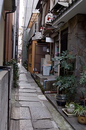 神楽坂の細い路地