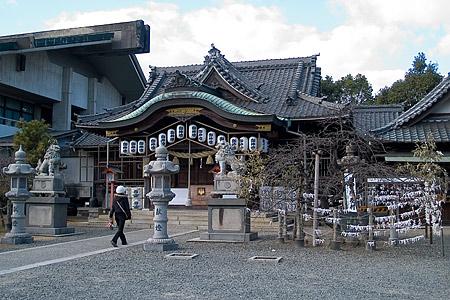 住吉神社本殿前