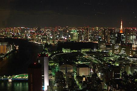 聖路加タワーから東京タワー方面