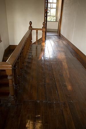 宣教師館の廊下