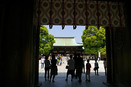 明治神宮拝殿前