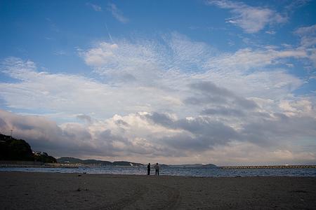 海岸の二人