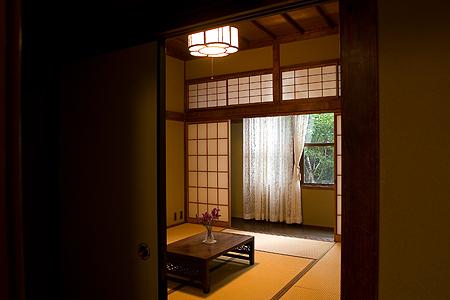 鳩山会館-