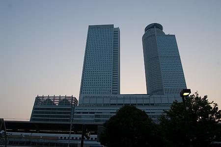 朝の名古屋駅-1