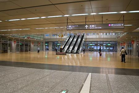 朝の名古屋駅-5