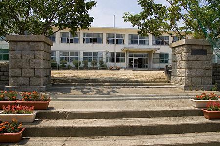 日間賀島小中学校